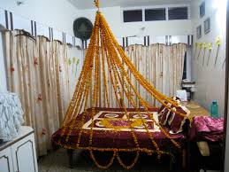 Simple Indian Bedroom Design For Couple