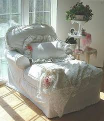 Shabby Chic Chaise by Best 25 Shabby Chic Chairs Ideas On Pinterest Refurbished