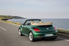 new volkswagen beetle convertible 2017 volkswagen beetle detailed in new photos and videos