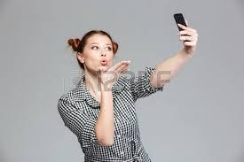 baise au bureau une femme d affaires en colère crie au téléphone au bureau banque d