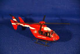 seau a champagne casque pompier hélicoptères et canadair gravures et miniatures musée du sapeur