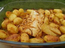 cuisine portugaise morue plat complet morue rôtie au four aux pommes de terre bacalhau