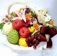 fruit flowers delivery china a 6 chagne roses litchi muskmelon orange apple