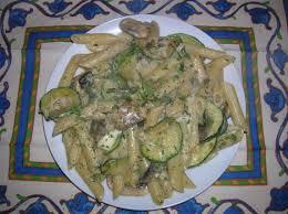 recette de cuisine avec des courgettes pasta penne avec courgette chignons et fromage fondu cuisine