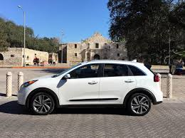 compact cars alamo first drive 2017 kia niro hybrid clean fleet report