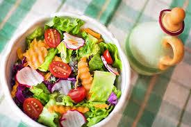 cara membuat salad sayur atau buah cara menyajikan salad yang sehat puri pangan utama