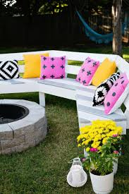 Fire Pit Ideas For Backyard by 25 Best Fire Pit Seating Ideas On Pinterest Backyard Seating