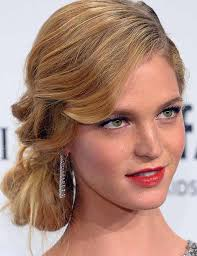 farewell hairstyles 20 popular prom hairstyles for girls with medium length hair