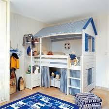 chambre garçon lit superposé délicieux maison interieur bois moderne 14 lits superposes dans