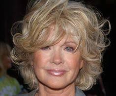 medium length hairstyles for women over 60 felicity huffman shimmering hairstyles pinterest allison