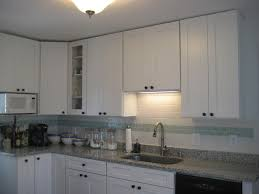 42 inch white kitchen wall cabinets picture of white shaker wall cabinets without crown