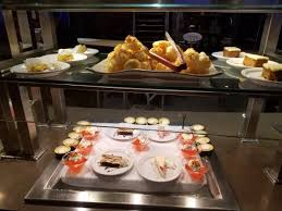 buffet cuisine but the buffet the food looks but there is no flavor picture of