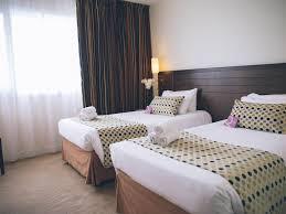 Chambre D Hôtes Auberge Des 5 Lacs Rooms Hotel In Angers Mercure Angers Lac De Maine Hotel