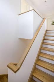 handlauf treppe ideen kleines treppenhaus einfamilienhaus die besten 25 handlauf