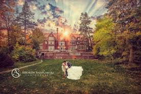 wedding venues duluth mn sunset wedding photo at glensheen mansion in duluth mn with