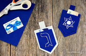 hanukkah gift cards dreidel gift card holders everyday dishes diy