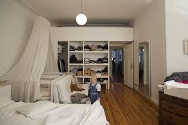 Schrank Im Schlafzimmer Neukölln Homestory Zu Hause Bei Anaïs U0026 Daniel Von Artness Net I