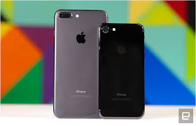 iphone 7 and 7 plus review apple mostly plays it safe