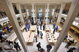 paris apple store apple store in paris robbed of more than 1 million worth of i