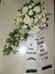 trauersprüche für schleifen trauerkränze trauergestecke zur beerdigung trauerfloristik