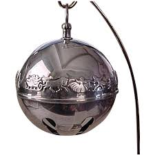 1835 1985 collectable silver plate winter sleigh bell