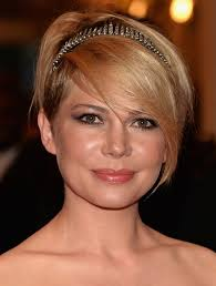 what enhances grey hair round the face 21 flattering pixie haircuts for round faces pretty designs