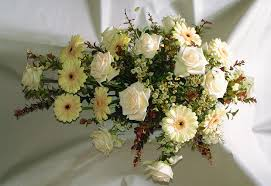 funeral arrangement file flower arrangement funeral white jpg wikimedia commons