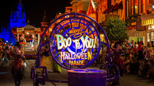 scary halloween signs quiz mickey u0027s boo to you halloween parade at mickey u0027s not so