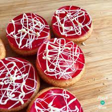 Greggs Halloween Cakes by 1 Syn Each U0027raffa U0027 Cakes Slimming World Pinch Of Nom