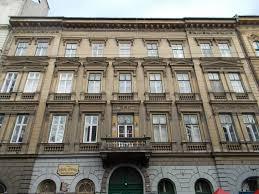 three story building file three story building 7 jokai square 2016 terezvaros jpg