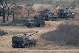 Backyard Artillery Incredible Images Show Hundreds Of Artillery Guns Unleashing Hell