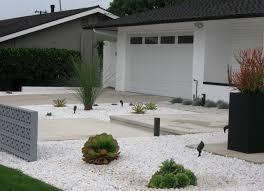 mid century modern front yard