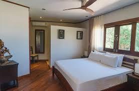 chambre thailandaise thailande location vacances villa kho samui samrong bay