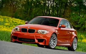 Bmw M1 Coupe This Is What Happens When Crazy Russians Drive The Bmw 1 Series M