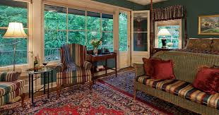 Red Door Interiors Baton Rouge La by Spacious Two Bedroom Suite In Baton Rouge