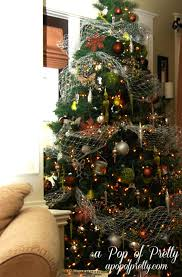 tree decorating brown and olive green tree