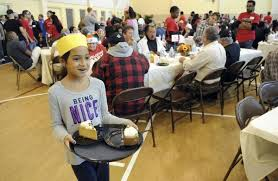 cheesecake factory salvation army provide thanksgiving feast