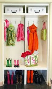 Entryway Decorating Ideas Pictures Organized Entryway Designs And Foyer Decorating Ideas Blending
