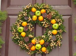 167 best williamsburg wreaths images on colonial