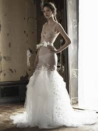 vera wang robe de mariã e vera wang shows new line of wedding dresses in a