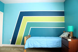 painting walls boys bedroom graphic racing stripes painted accent wall