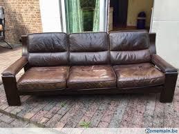 canape cuir et bois canapé en cuir et bois massif exceptionnellement confortable