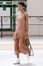 robe de mariã e pas chã re défilé lemaire printemps été 2017 prêt à porter