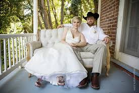 what to wear to a country themed wedding bridal gown western wedding theme national theme