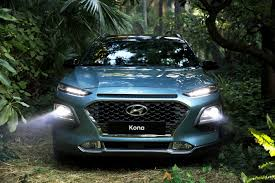 hyundai jeep 2017 2018 hyundai kona is a mini suv with big looks and advanced tech