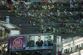 las vegas concert field filled with debris after massacre daily