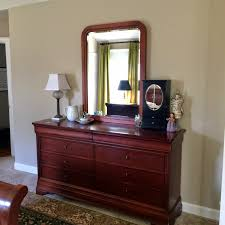 Bedroom Furniture Dresser With Mirror by Bedroom Walnut Dresser By Craigslist Bedroom Sets With Mirror For