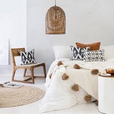 housify wit interieur zonder een kille sfeer style day