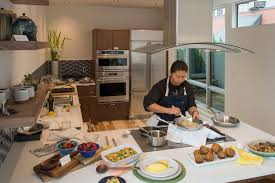 experiential home design tour helps pick best in modern products