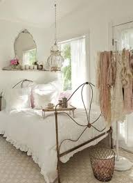 Shabby Chic Interior Decorating by Best 25 Shabby Chic White Ideas On Pinterest Shabby Chic Homes
